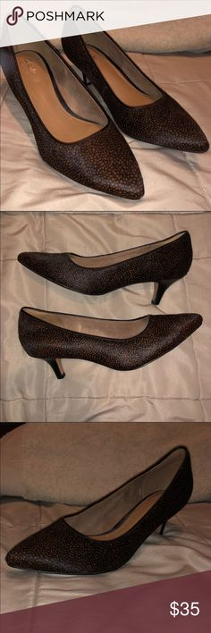 c13d7b1e1bd3 CLARKS Artisan Real Cow Fur Pumps Heels 7W Wide Gorgeous heels. Preowned in  great condition