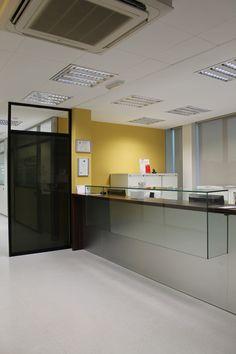 Ideas de #Oficina, estilo #Contemporaneo color  #Amarillo,  #Marron,  #Blanco,  #Negro, diseñado por Francesc Plazas Nebot  #CajonDeIdeas