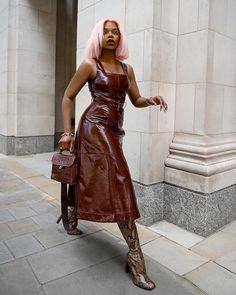 """Juliette Foxx on Instagram: """"This emoji >>> 💃🏽 But make it fashion lol Dress from @karen_millen #OOTD #ad #KarenMillen   Fashion tip: Don't be afraid to mix textures…"""""""