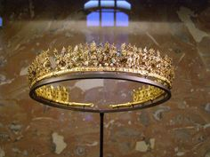 tiara C. 300-250 BC Canosa, hypogeum Lagrasta Gold, glass and enamel