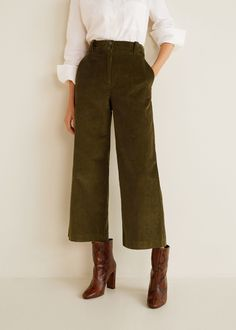 Flared corduroy trousers - Women Flared design Long design Corduroy fabric High-rise Twin side pockets Back welt pocket with button Belt loops Zip and button Mode Outfits, Fall Outfits, Casual Outfits, Summer Outfits, Tomboy Outfits, Casual Pants, Khaki Pants, Look Fashion, Womens Fashion