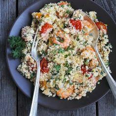 Die leckere Low-Carb-Variante zum regulären Couscous-Salat:  Dämpfen Sie dafür die gewünschte Menge Blumenkohl im Wasserbad bis er bissfest ist, lassen Sie den Blumenkohl leicht abkühlen und...