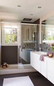Baño Elegante Y Funcional