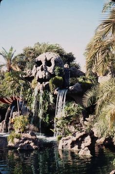 Disneyland Skull Rock, 1960s-era. Originally located next to the Pirate Ship Restaurant, this awesome Peter Pan landmark was demolished as of 1983 and replaced by Dumbo, amazingly enough. I dearly loves me some Dumbo, but boo hoo anyway.