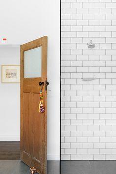 1930s californian bungalow bathroom tile bathrooms for Californian bungalow bathroom ideas