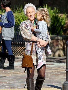 Pink and 2½-year-old daughter Willow at a Los Angeles juice bar on December 23, 2013.