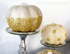 50 Glorious DIY Autumn/ Halloween Decoration Ideas in Gold easy to craft yet the effect is impressive decorations to create a festive ambience in your home. Pumpkin Topiary, Pumpkin Candles, Pumpkin Centerpieces, Diy Pumpkin, Pumpkin Crafts, Fall Crafts, Gold Pumpkin, Purple Pumpkin, Pumpkin Decorations