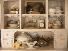 Buffetkast met brocante @ De Tijd van Toen – Brocante & Styling China Cabinet, Storage, Furniture, Home Decor, Style, Purse Storage, Swag, Crockery Cabinet, Decoration Home