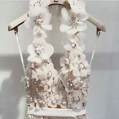 62 Ideas for bridal couture embroidery dress styles Couture Details, Fashion Details, Fashion Design, Couture Embroidery, Embroidery Dress, Tambour Embroidery, Dresses Elegant, Beautiful Dresses, Gorgeous Dress