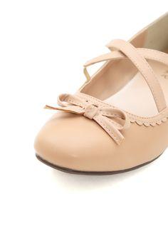 クロスベルトフラットパンプス|axes femme(アクシーズファム)公式通販サイト。web限定セールや最新アイテム、雑誌掲載商品の入荷などお得な情報が満載!「ラグジュアリー」と「ノスタルジック」をテーマに、パーティーからカジュアルまで様々な場面でのフェミニンカジュアルを提案。 Mary Janes, Flats, Shoes, Fashion, Loafers & Slip Ons, Moda, Zapatos, Shoes Outlet, Fashion Styles