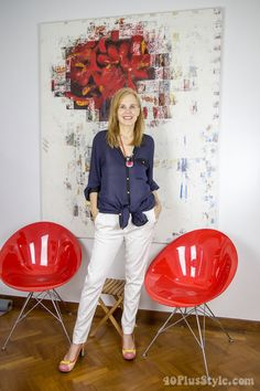 Stylish outfit formula: A blue button down top paired with skinny 7/8 pants and a stylish shoe make a fabulous outfit   40plusstyle.com