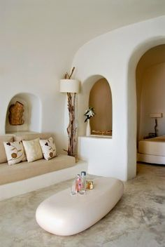 El hotel perfecto? Mystique Resort Natural Home Decor, White Home Decor, Cheap Home Decor, Maison Earthship, Earthship Home, Home Design, Interior Design, Design Ideas, Adobe Haus