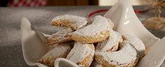 Traditional Greek Kourabiedes Christmas Desserts, Greek, Sweets, Traditional, Recipes, Christmas Deserts, Good Stocking Stuffers, Greek Language, Candy