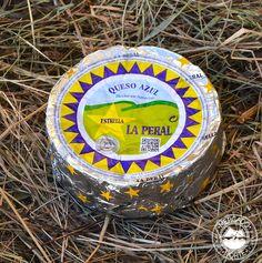 Queso La Peral Mini. Es un queso azul con un peso de 500 gr. aproximadamente, con un textura cremosa y elaborado con leche de vaca. http://www.elmercadodelnorte.com/categoria-producto/quesos/
