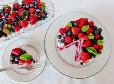 Raw Berry Red Velvet Short Cake