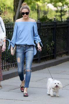 Olivia Palermo in Ripped Jeans out in NYC, May 2016 Amo Jeans, Estilo Jeans, Ripped Jeans, Olivia Palermo Stil, Olivia Palermo Lookbook, Passion For Fashion, Love Fashion, Plus Size Fashion, Womens Fashion