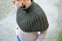 Ravelry: Mantella Crochet Cape pattern by Ilaria Caliri (aka airali) Crochet Caplet, Crochet Cape Pattern, Crochet Scarves, Diy Crochet, Crochet Clothes, Crochet Patterns, Crochet Hats, Free Pattern, Crochet Stitches