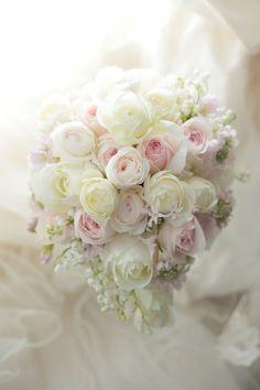ティアドロップブーケ フェリーチェガーデン日比谷様へ 桜の頃、春の儚きものたち