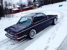 BMW E9 | BMW e series | classic cars | classic BMW | BMW in snow | winter