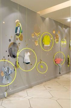 45 Best Ideas Boutique Displays and Visual Merchandising 45 Best Ideas Boutique Displays und Visual Merchandising – GoWritter Design Display, Visual Display, Store Design, Display Ideas, Decoration Vitrine, Decoration Design, Retail Windows, Store Windows, Propaganda Visual