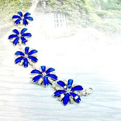 Bracelet daisy links rhinestones royal blue size 7 3/4 handmade by Pat2 #Pat2 #link