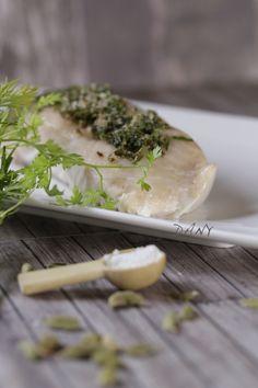 SAUMON SAUVAGE MI-CUIT À LA FLEUR DE SEL HERBES ET ÉPICES  http://www.epicetoutlacuisinededany.fr/article-saumon-sauvage-mi-cuit-a-la-fleur-de-sel-herbes-et-epices-125382224.html