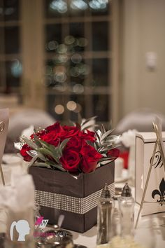 www.cwillsphotography.com, red rose wedding arrangement, union bank inn edmonton, edmonton wedding photographer, new years eve wedding, wedding details