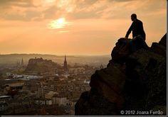 Arthur's Seat - ponto turístico famosos de Edimburgo, na Escócia! Quer saber como chegar lá? Acesse nosso blog!
