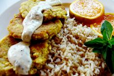 Tofu Marinades - You'll find that the right marinade offers richness and depth that takes your favorite tofu meals to an entirely new level. Here are six fantastic marinades for tofu that are sure to make your taste buds dance! Tofu Recipes, Whole Food Recipes, Vegetarian Recipes, Chicken Recipes, Cooking Recipes, Healthy Recipes, Fancy Recipes, Cooking Tofu, Protein Recipes