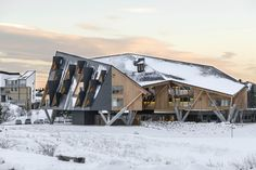 """Slow Horse /  ELASTICOSPA+3 - """"Just like a child, the building will play with snow, compacting and piling it in specific places, pre-defined by the shape of its roof and facade"""""""