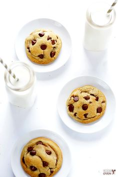 Coconut Oil Chocolate Chip Cookies | gimmesomeoven.com