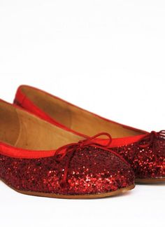 #UsTrendy, #SpringStyle  Who wouldn't want to feel like dorothy?
