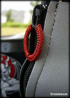 ringbolt hitching on zipper pull