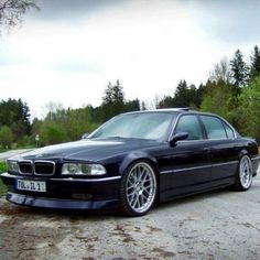 BMW E38 7 series blue