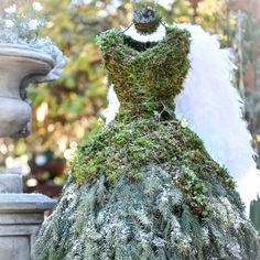 Ramona Christina Kohler (@timeundvision) • Instagram photos and videos Christmas Greenery, Victorian, Photo And Video, Videos, Photos, Instagram, Dresses, Fashion, Vestidos