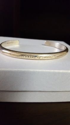 Beautiful style and elegant jewelry. Please read and see the pictures for details. Vintage Bracelet, Antique Jewelry, Wedding Rings, Engagement Rings, Sterling Silver, Elegant, Antiques, Bracelets, Pictures