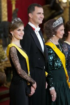 At the Royal Palace of Madrid, King Juan Carlos, Queen Sofia, Prince Felipe and Princess Letizia of Spain chaired the gala dinner in honor of Mexican President and his wife.