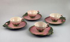 Csésze aljjal - lótusz dekorral