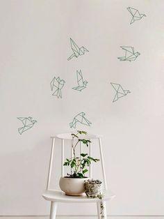 Troupeau de vol Origami oiseaux Decal pour maison, dortoir, bureau, salon ou chambre à coucher par ZestyGraphics sur Etsy https://www.etsy.com/fr/listing/201276568/troupeau-de-vol-origami-oiseaux-decal
