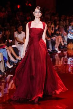 Elie Saab Haute Couture Fall 2013 - Fav Haute Couture Gowns for Fall 2013 - Fall Outfit Elie Saab Couture, Haute Couture Gowns, Style Couture, Couture Fashion, Runway Fashion, Couture Week, Couture Dresses, Gothic Fashion, Fashion Fashion