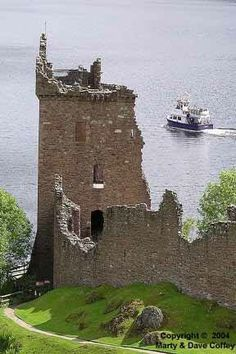 Urquhart Castle, Loch Ness, Iverness-shire - Scotland
