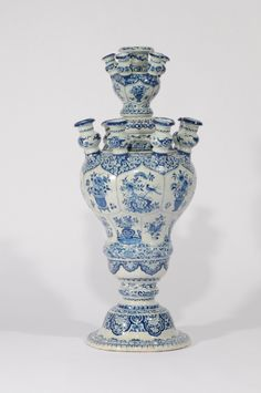 Collection item • D9012. Blue and White Large Tulip Vase Delft, circa 1720  Height: 63.5 cm. (25 in.)     Share      Download Download larger image    Images on this website are licensed under a Creative Commons Attribution-NoDerivs 3.0 Unported License.