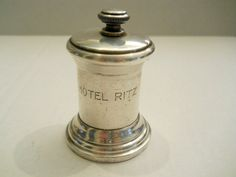 Vintage Antique? Hotel Ritz Pepper Mill Pepper Grinder Silver Plate? Sterling? in Collectibles, Decorative Collectibles, Salt & Pepper Shakers   eBay