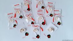martisoare-din-scoici Christmas Decorations For Kids, Holiday Decor, Spring Activities, Kids Crafts, Advent Calendar, 8 Martie, Homemade, Traditional, Interior