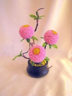 Пушистые цветочки из бисера French Beaded Flowers, Wire Flowers, Beaded Crafts, Beads And Wire, Bead Art, Flower Patterns, Planting Flowers, Seed Beads, Floral Arrangements