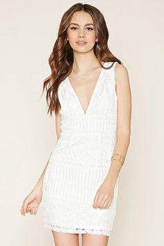 0776936228 Contemporary V-Cut Lace Dress White Floral Dress