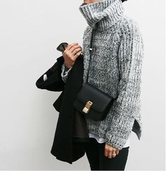 Sweater weather is rapidly approaching. Street Look, Looks Street Style, Looks Style, Style Me, Mode Chic, Mode Style, Street Style Outfits, Fall Outfits, Sweater Weather