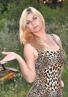 Thousands of beauties: Elena, exciting companionship Russian woman
