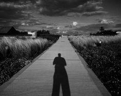 #Paisaje y autorretrato. - #BuenosAires #igersbsas #urbanosaires #blackandwhite #blancoynegro #bnw #monochrome  #mobilephoto #streetphotography #myfeatureshoot #hallazgosemanal #urbanlandscape #paisajeurbano