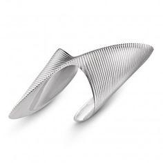 Zaha+Hadid+designs+range+of+silver+jewellery+for+Georg+Jensen